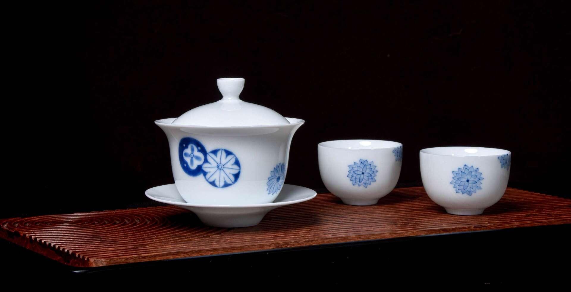 Chrysanthemum Seal Tea Set
