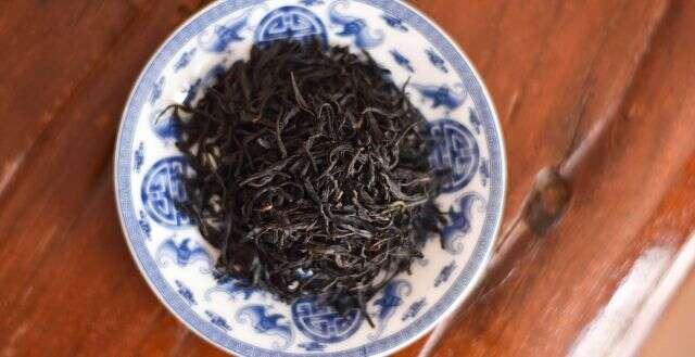 2018 Shi Feng Dragonwell Black Tea