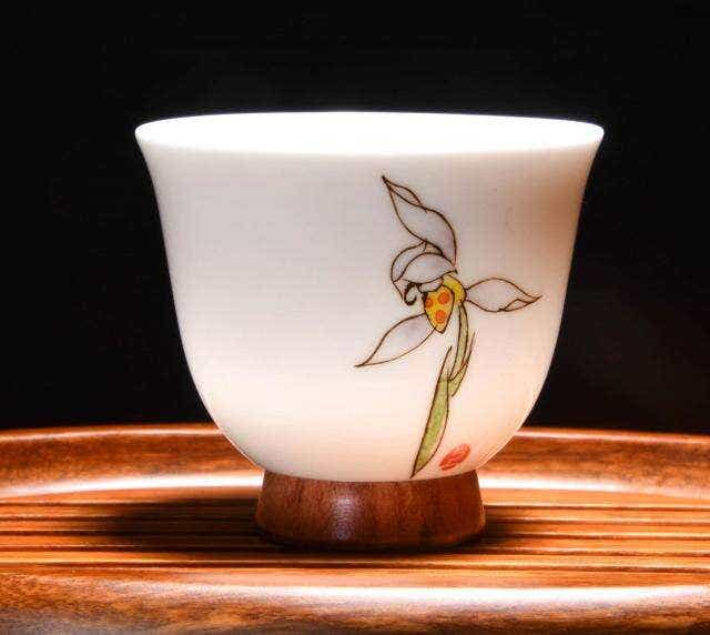Iris and Hardwood Tea Cup