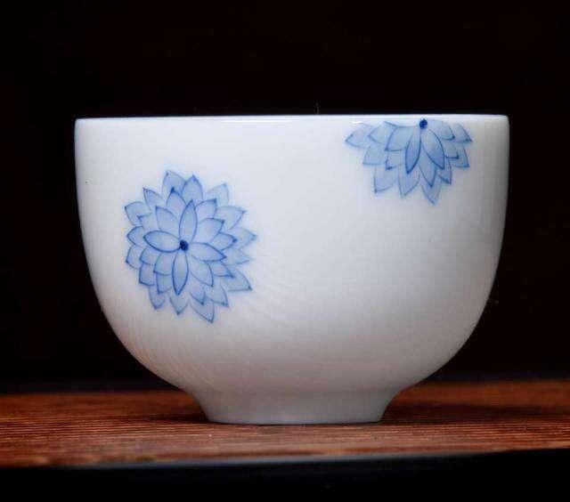 Chrysanthemum Seal Cup