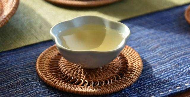 Basic Ru Swirl Cup