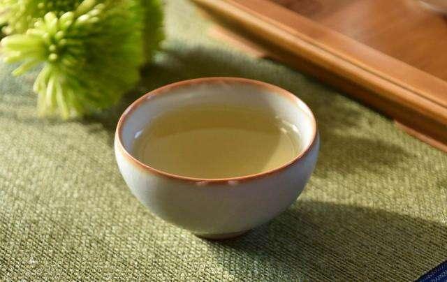 Fine Ru Yao Half Moon Cup
