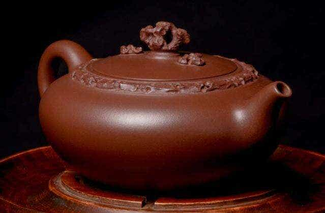"""Masterwork """"Yan Yun"""" Teapot"""