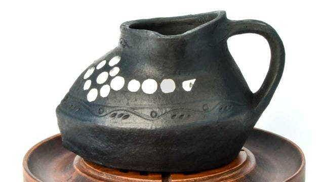Nixi Pottery Inlaid Pitcher Brewer