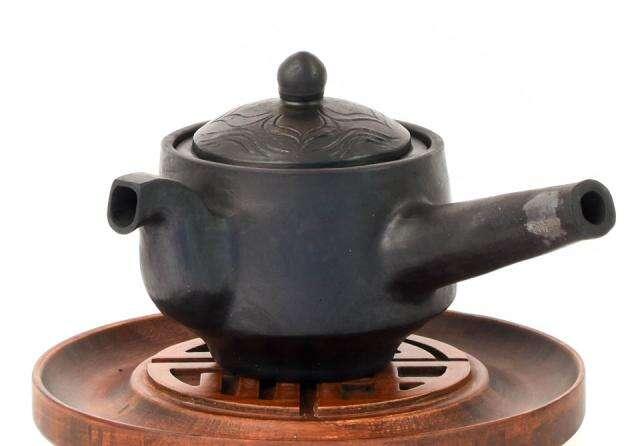 Masterwork Nixi Pottery Geometric Pot