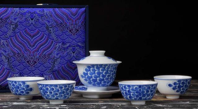 Jingdezhen Flower Petals Tea Set
