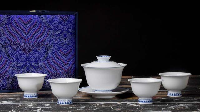 Jingdezhen Sunflower Tea Set
