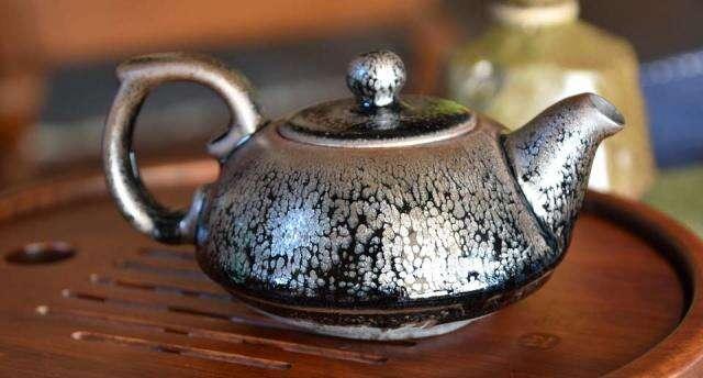 Shui Ji Jian Zhan Tea Pot