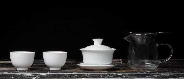 Essentials Tea Set