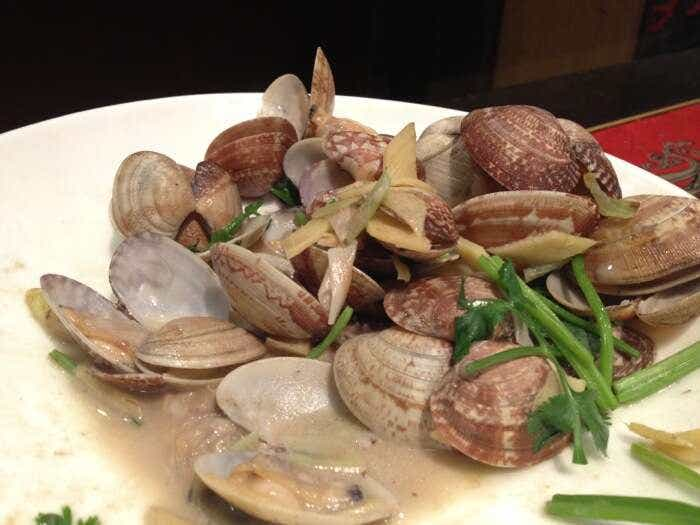Qingdao's Traditional 'Gala' clams