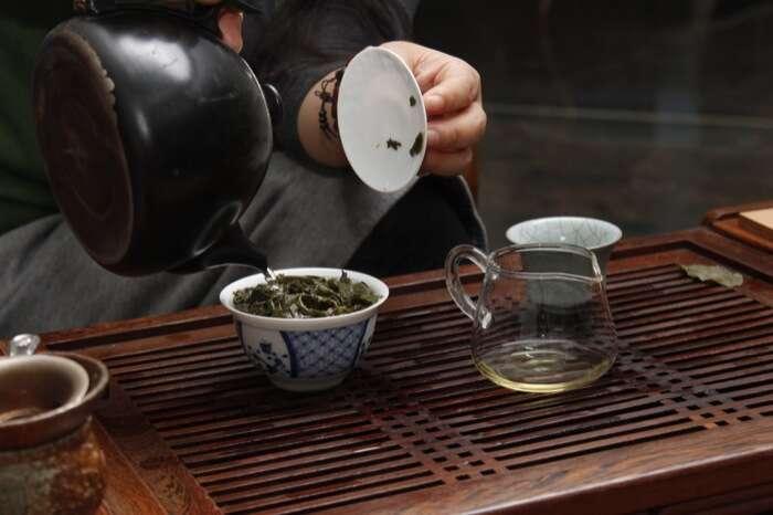 Wang Pouring Tea