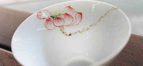 Jingdezhen Conical Red Lotus Tea Cup