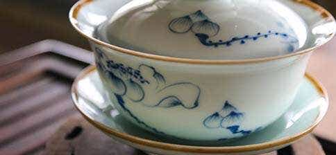 Jingdezhen Wide Natural Edge Lotus Gaiwan