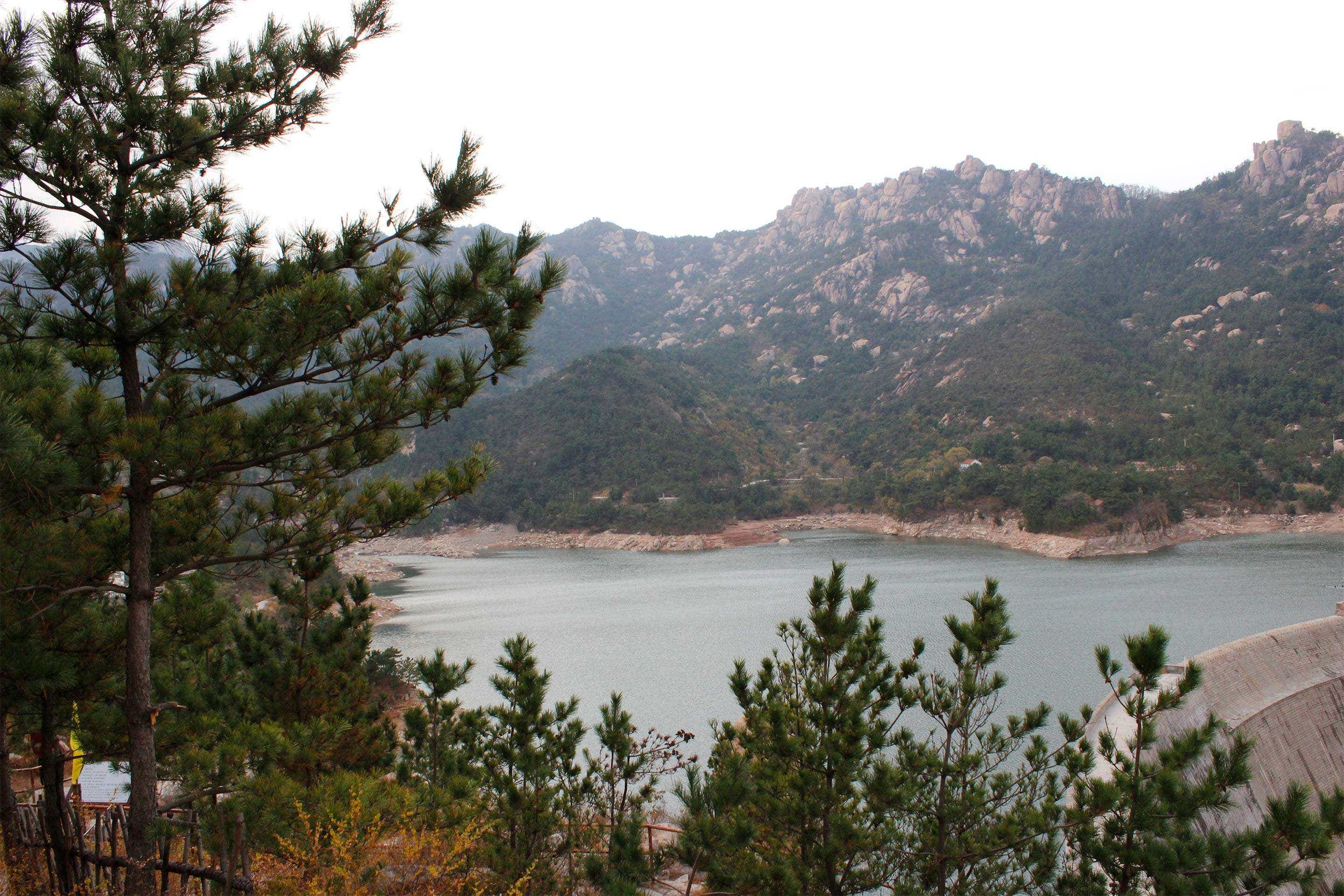 Laoshan's famous mountain spring water reservoirs