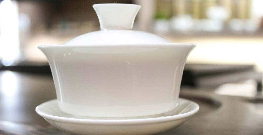 simple_white_gaiwan_flared-2368-LARGEx2