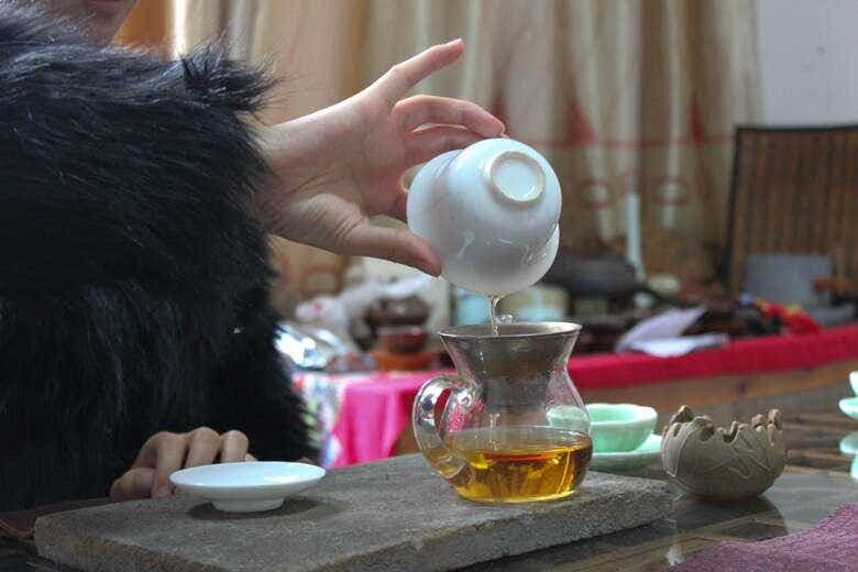 Li Xiangxi brews Old Tree Wuyi Gongfu Black Tea