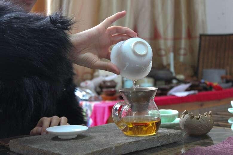 Li Xiangxi brews Old Tree Wuyi Gongfu Black Tea