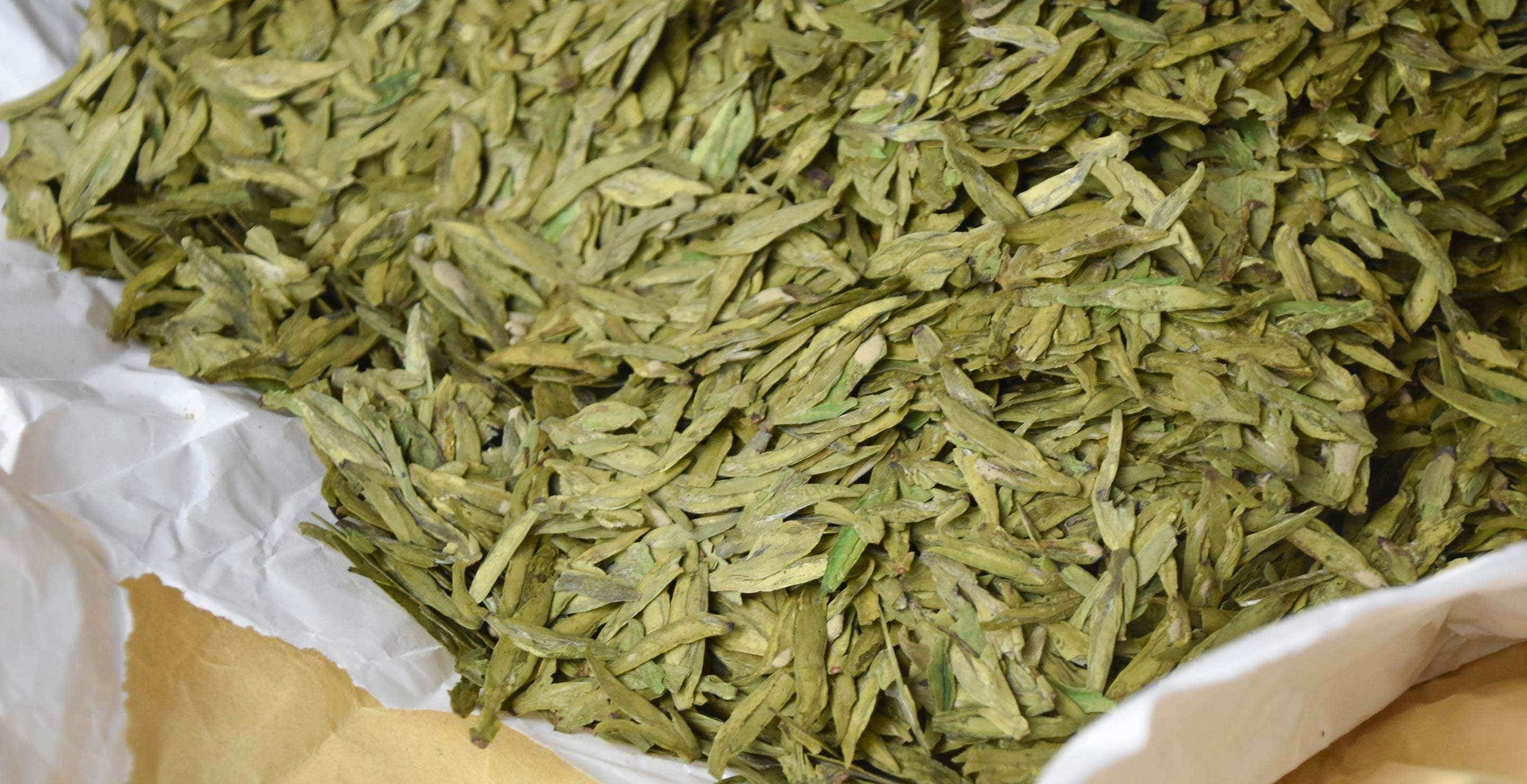 dragonwell-day-2-leaves-longjing-43-C-0680-largex2