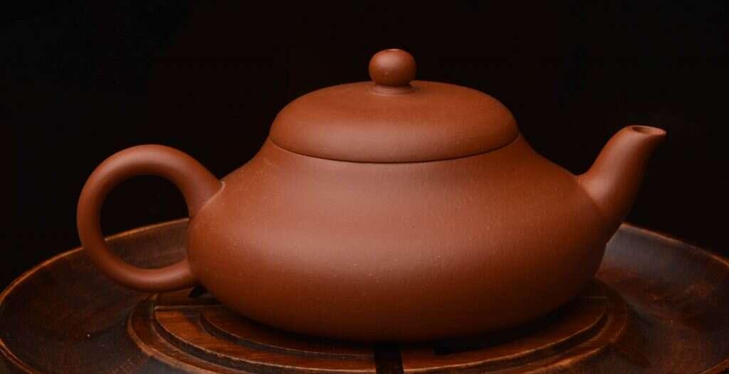 tea pot made from Yuan Kuang Zhuni // artist: Zhu Huan